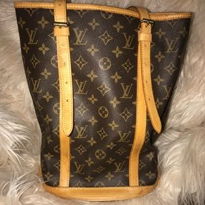 Authentic Louis Vuitton GM Bucket handbag